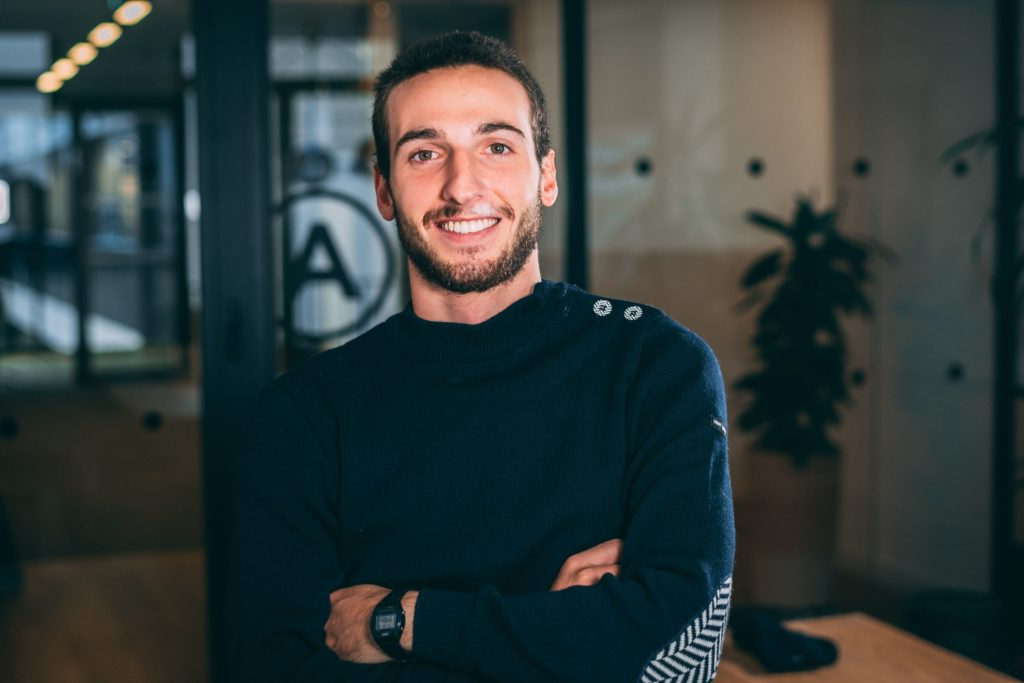 Je suis Antoine Morel, j'ai créé Morelisator pour vous aider à mettre en place une stratégie digitale efficace pour votre entreprise.